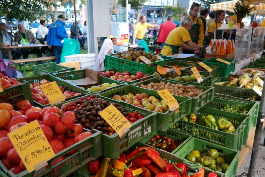 frisches, regionales Obst und Gemüse am Liesinger Markt