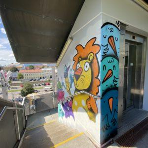 Graffiti auf der Wand des Stiegenhauses